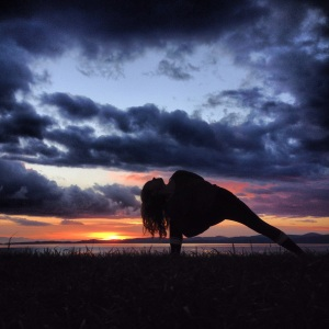 Yoga Bound parsvakonasana on Dallas Road, Victoria, BC